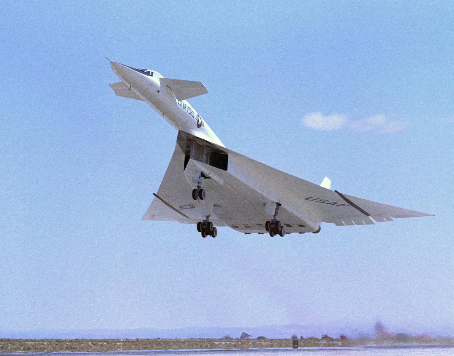 XB 70 (航空機)の画像 p1_17